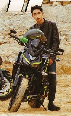 You are so cool when you sit on that motorcycle, D.O Hyung ! Kyungsoo, Chanyeol, Exo Ot12, Kaisoo, K Pop, Kim Jong Dae, Exo Album, Kim Minseok, Exo Korean
