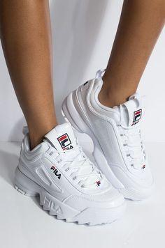 Front View Fila Womens Disruptor Ii Premium Sneaker In Patent White in White Navy Red Source by anyaymares de mujer fila Fila White Sneakers, Sneakers Mode, Sneakers Street Style, Chunky Sneakers, Sneakers Fashion, Chunky Shoes, Dad Shoes, Women's Shoes, Me Too Shoes