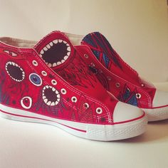 "Zapatillas pintadas a mano modelo ""Medusas mucho""http://pnitas.es/shop/zapatillas-2/medusas-mucho/  Handpainted sneakers model ""Medusas mucho"" Buy them at http://pnitas.es/en/shop/sneakers/sneakers-model-medusas-mucho/"