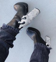 Sock Shoes, Cute Shoes, Me Too Shoes, Shoe Boots, Shoes Heels, Dream Shoes, Crazy Shoes, Botas Grunge, Mode Blog
