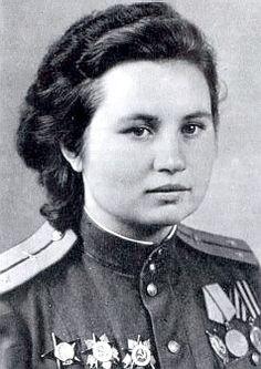Soviet female pilots Alexandra Akimova. (715 combat missions)