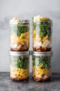 Salad recipes 16395986131997786 - Kale chicken pasta salad with a tangy balsamic vinaigrette, sunflower seeds and dried cranberries. Works great for meal prep or a weeknight dinner. Chicken Pasta Salad Recipes, Kale Pasta, Easy Pasta Salad, Salad Chicken, Pasta Salat, Mason Jar Lunch, Mason Jar Meals, Meals In A Jar, Mason Jars
