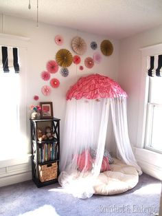 DIY Tutorial DIY Pinwheel / DIY Pinwheel Collage {using scrapbook paper} - Bead&Cord Girls Bedroom, Bedroom Decor, Lego Bedroom, Childs Bedroom, Kid Bedrooms, Bedroom Ideas, Diy Pinwheel, Ideas Habitaciones, Diy Papier