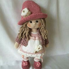 Irresistible Crochet a Doll Ideas. Radiant Crochet a Doll Ideas. Mode Crochet, Crochet Diy, Crochet Doll Pattern, Crochet Patterns Amigurumi, Amigurumi Doll, Crochet Crafts, Crochet Projects, Knitting Patterns, Crochet Doll Clothes