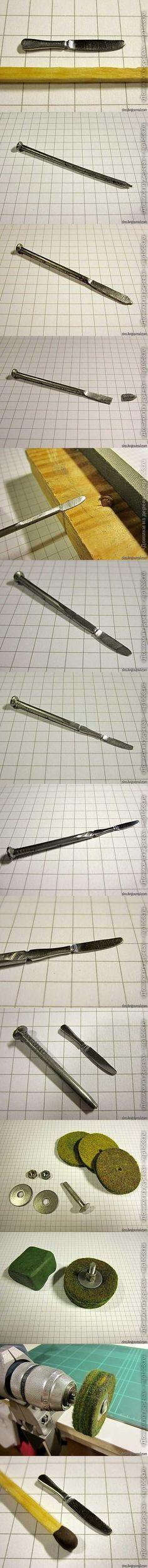 Cómo hacer un cuchillo miniatura con un clavo