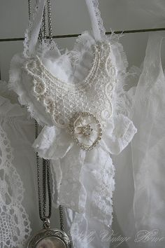 Nelly vintage home dreamy lace collar