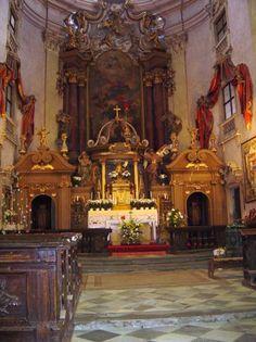 Interiér chrámu - hlavní oltář