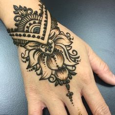 You want a indian henna or Mehndi design then Click VISIT link to see Henna Tatoo, Henna Body Art, Tatoo Art, Henna Mehndi, Henna Art, Body Art Tattoos, Hand Tattoos, Mehendi, Tatoos