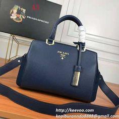 2fbbe2c040c6 豊富なカラーバリエーションでコーデの差し色としても使いやすいバッグです。ハンドバッグとしてもショルダーバッグとしても使える優秀なプラダ コピーバッグ です。