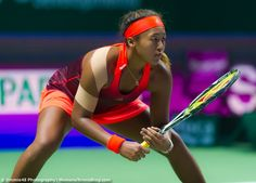 Really proud of Naomi Osaka, Haitian father and Japanese mother, who upset ranked US tennis player, Coco Vandeweghe in the first round of the US Open. Us Open, Australian Open, Osaka, Pro Tennis, Professional Tennis Players, Tennis Players Female, Sport Icon, Tennis Stars, Stuttgart