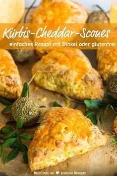 Pumpkin cheddar scones optionally gluten-free - Scones are tender and loose at the same time. The English tea pastry is available in umpteen variat - Egg Recipes For Kids, Great Recipes, Healthy Recipes, Make Ahead Brunch Recipes, Egg Recipes For Breakfast, Vegan Facts, Crescent Roll Recipes, Cheddar, Banana Recipes
