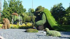 """""""O homem que plantava árvores"""" pastor que durante anos plantou árvores num vale desértico e sem vida, transformando esse lugar numa floresta esplendorosa e cheia de vida. Mosaïcultures Internationales de Montréal 2013"""