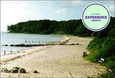 Moesgård Strand ligger syd for Aarhus omkranset af skov og bakker. Badestranden er fin og om sommeren en af Danmarks mest besøgte strande. Ved stranden finder du kiosk, grillsteder og store plæner til boldspil, leg og sjov.  Anbefalet af #NSFacebookFan #EXNS14 #MoesgaardStrand #SolOverAarhus #SeOgOplev