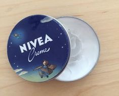 10 unknown uses for Nivea Cream Beauty Secrets, Diy Beauty, Beauty Hacks, Creme, Heal Sunburn, Fancy Makeup, Cracked Skin, Waterproof Makeup, Dry Hands