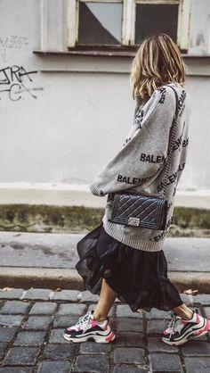 48 Lovely Street Cute Winter Outfit Design 2018 Ideas E n j o y l i f e 🕊 Fashion 2020, Look Fashion, Teen Fashion, Korean Fashion, Fashion Outfits, Fashion Design, Fashion Trends, Fashion Advice, Latest Fashion