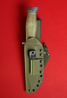 by Martin Sheaths Kydex Sheath, Knife Sheath, Neck Knife, Bushcraft Knives, Knives And Swords, Knife Making, Door Handles, Knifes, Leather