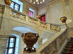 Diese Treppe führt zu den imperialen Kaiser-Appartements, eine Sehenswürdigkeit Museum, Sissi, Kaiser, Victorian, Stairway, Life, Museums