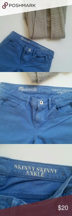 🎀MADEWELL BLUE SKINNY ANKLE JEANS🎀 In pre loved conditions.  MADEWELL BLUE SKINNY SKINNY ANKLE.  SIZE 27. 99% COTTON 1% SPANDEX. Madewell Jeans Ankle & Cropped