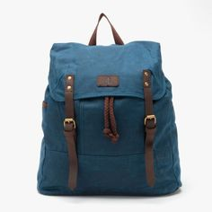 Love this color.  Need to trade in my high school backpack for this!