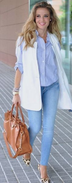 White vest | I tell my tricks #white  Pinterest:Caramelo DeFresa