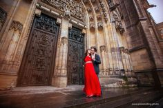 Pre-Wedding photo from Prague. 🏰 St. Vitus Cathedral view, in Prague Castle. 📷 Photographer: Constantin Gololobov #prewedding #prague #preweddingphotography #photographerineurope #preweddinginprague #photographerinprague #布拉格 #布拉格婚纱摄影 #婚礼 #新娘 #蜜月 #海外婚紗攝影 #婚纱摄影 Prague, Wedding Photos, Wedding Photography, Castle, Marriage Pictures, Wedding Shot, Bridal Photography, Bridal Photography, Wedding Pictures