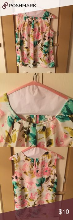Merona floral sleeveless top Super Cute sleeveless  top. Worn twice and dry cleaned excellent condition. Non smoking home. Merona Tops Blouses