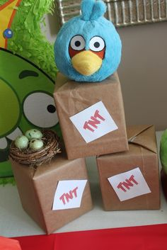 "Photo 9 of 51: Angry Birds Birthday / Birthday ""Happy 5th Birds-day - Angry birds style"" 