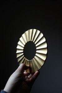 'SUN' solid brass trivet by Oji Masanori  www.ateliersolarshop.be