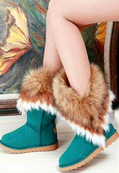 A much as I dislike UGGS and all boots that look like them, I do like the fur