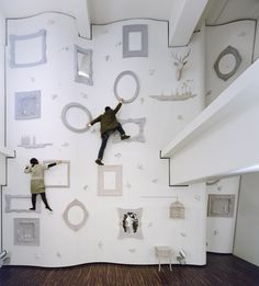 Japanese designers Nendo created what might just be the most creative climbing wall ever, using home accessories like picture frames, bird cages and deer heads. This unusual climbing wall is located at the ILLOIHA fitness club in Tokyo. Indoor Climbing Wall, Rock Climbing, Climbing Frames, Climbing Holds, Kids Climbing, Dezeen, Japanese Design, Looks Cool, Frames On Wall