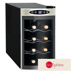 La vinoteca VN8 es un electrodoméstico de altas prestaciones y de pequeñas dimensiones, para poner en espacios pequeños o para colecciones reducidas de botellas. Para enfriar, refrescar y cuidar el vino, con capacidad máxima de 8 botellas.