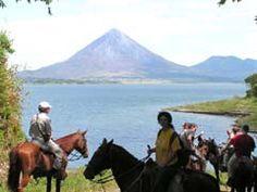 Horseback Riding Monteverde #CostaRica | monteverdetours.com