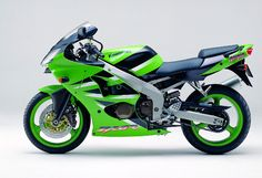 Google Image Result for http://www.totalmotorcycle.com/photos/2001models/2001-Kawasaki-ZX-6Rc.jpg