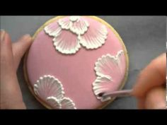 ▶ Brush embroidery on a cookie - YouTube Sweetambs