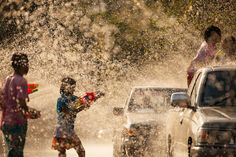 The Water Battle in Songkran Festival, celebration of Traditional Thailand New Year. Iphone Wallpaper Tumblr Aesthetic, Nature Wallpaper, Thailand New Year, Songkran Festival, Festival Image, Festival Background, Png Photo, Largest Countries, Vector Photo