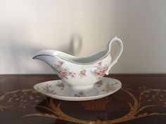 Vintage salsiera porcellana bianca con fiori rosa / Salsiera Richard Ginori / Servire a tavola salse di VintaFai su Etsy