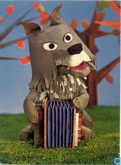 "Bor de Wolf, uitbater van het Dierenbosse café Het Praathuis (""Hoea, ik ga wel naar het Enge Bos."") Good Old Times, The Good Old Days, My Childhood Memories, Sweet Memories, Types Of Puppets, Timeless Series, Paper Animals, Wolf, Pin Up Art"
