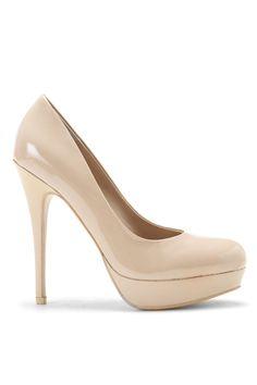 nude pumps//