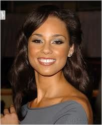 One of my fave singers :)   Alicia Keys!