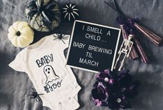 Baby Number 2 Announcement, Baby Announcement To Parents, Halloween Pregnancy Announcement, Cute Baby Announcements, Pregnant Halloween, Baby Halloween, Halloween Gender Reveal, March Baby, Goth Baby