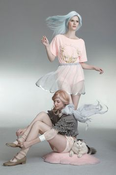 Sretsis campaign - two girls and a cat Foto Fashion, Fashion Mode, Fashion Shoot, Editorial Fashion, Fashion Brands, Blue Photography, Editorial Photography, Fashion Photography, Pink Beige