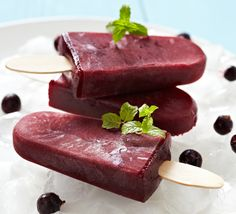 Frozen summer desserts: A few homemade additions can turn store-bought goodies into gourmet treats. Ice Pop Recipes, Popsicle Recipes, Summer Desserts, Summer Recipes, Summer Treats, Fudge Pops, Homemade Popsicles, Superfood Recipes, Powder Recipe