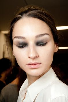 Bruna Tenorio Spring 2015 Ready-to-Wear - Giles Catwalk Makeup, Runway Makeup, Creative Makeup, Simple Makeup, Natural Makeup, Skin Makeup, Beauty Makeup, Spring 2015, Summer 2015
