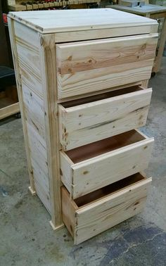 Pallet Wood Chest of Drawers | Pallet Furniture