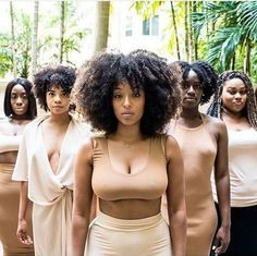 Natural hair glory. : Photo