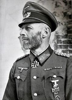 ✠ Theodor Scherer (September 17, 1889 – May, 1951) RK 20.02.1942 Generalmajor Kdr 281. Sich.Div [Kgr. Scherer, Cholm] + [92. EL] 05.05.1942 Generalmajor Kdr 281. Sich.Div [und Verteidiger von Cholm] [Kgr. Scherer, Cholm]