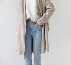 Comfortable Fashion, Comfortable Outfits, Aesthetic Fashion, Aesthetic Clothes, Minimal Fashion, Straight Leg Pants, Asian Fashion, Street Style Women, Casual Chic