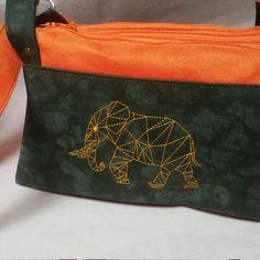 Triple pochette ChaChaCha en suédine orange et verte cousu par Virginie - Patron Sacôtin