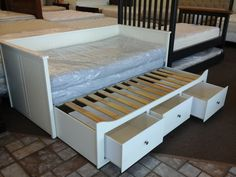 Awesome ikea daybed trundle diy furniture in more pop up sewing table wardrobes closet entertainment Daybed With Trundle Bed, Cama Futon, Ikea Daybed, Daybed With Storage, Diy Daybed, Daybed Ideas, Murphy-bett Ikea, Modern Murphy Beds, Murphy Bed Plans
