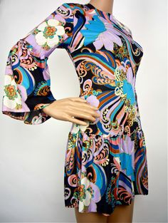 Cute 60s Drop- waist Dress in Bold Psychedelic print